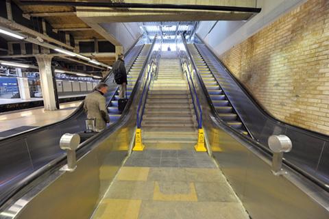 escalators-A2T-paddington-station-rail-infrastructure-optimised.jpg