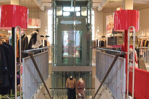 glass-lift-bespoke-passenger-lift-retail-jigsaw-bath-1-optimised.jpg