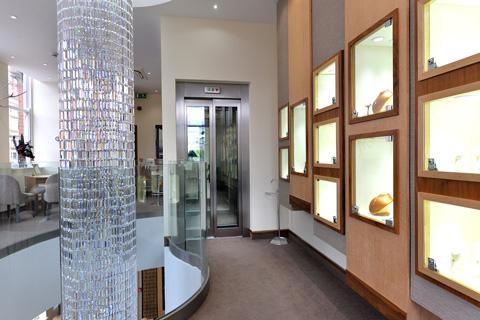 glass-shaft-bespoke-passenger-lift-berrys-jewellers-nottingham-optimised.jpg